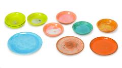 Schälchen und Teller farbig
